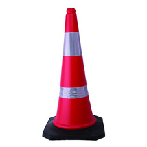 Product_thumb_5.0026_road_cone_2.8kg_img_2919